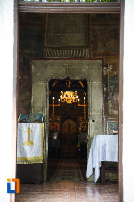 interiorul-de-la-biserica-sf-nicolae-din-breaza-judetul-prahova.jpg