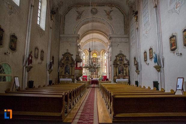 interiorul-de-la-biserica-ursulinelor-din-sibiu-judetul-sibiu.jpg