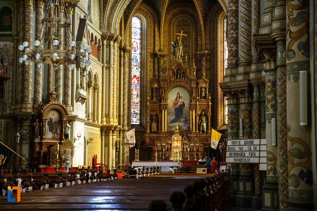 interiorul-de-la-catedrala-romano-catolica-millenium-din-timisoara-judetul-timis.jpg
