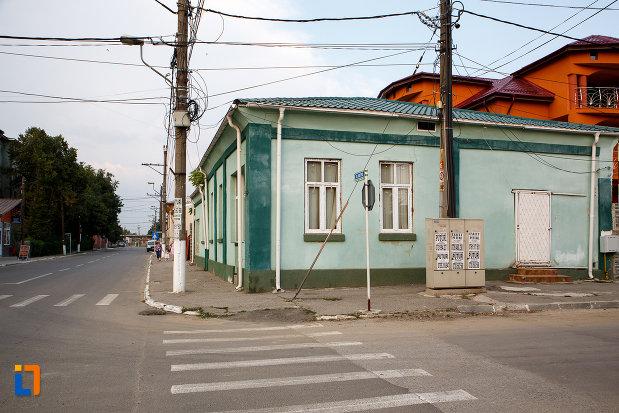 intersectia-unde-se-afla-casa-mircea-nicolescu-din-turnu-magurele-judetul-teleorman.jpg