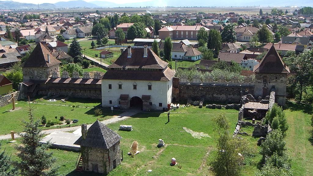 intrare in Castelul Lazar