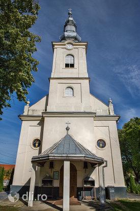 intrare-in-biserica-ortodoxa-din-vama-judetul-satu-mare.jpg