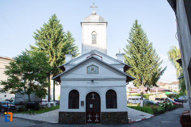 intrare-in-biserica-sf-ilie-din-gaesti-judetul-dambovita.jpg