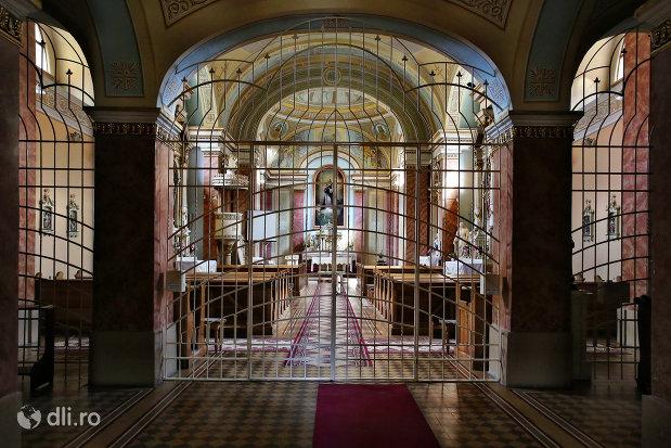 intrare-in-biserica-zarda-din-satu-mare-judetul-satu-mare.jpg