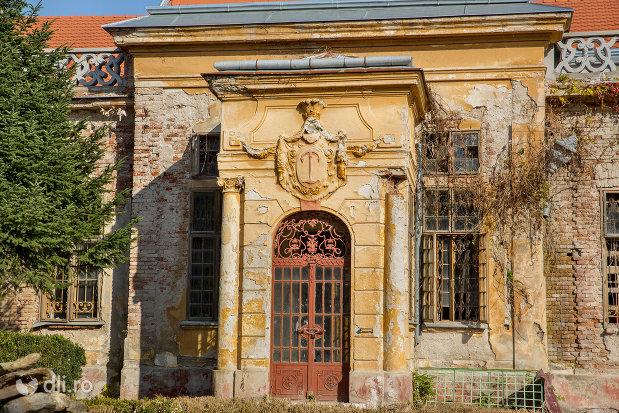 intrare-in-castelul-stubenberg-din-sacueni-judetul-bihor.jpg