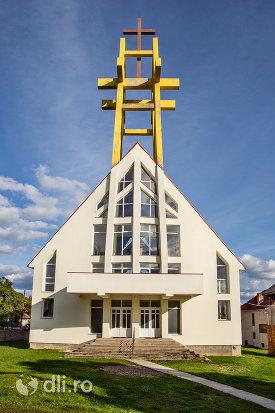 intrare-si-turn-de-la-biserica-greco-catolica-din-calinesti-oas-judetul-satu-mare.jpg