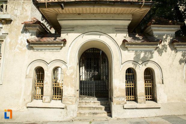 intrarea-in-banca-nationala-a-romaniei-din-slatina-judetul-olt.jpg
