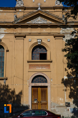 intrarea-in-biserica-evanghelica-lutherana-din-timisoara-judetul-timis.jpg