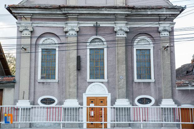 intrarea-in-biserica-invierea-domnului-1819-din-sebes-judetul-alba.jpg