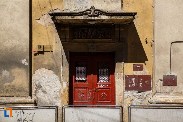 intrarea-in-biserica-mizericordienilor-azi-biserica-greco-catolica-din-timisoara-judetul-timis.jpg