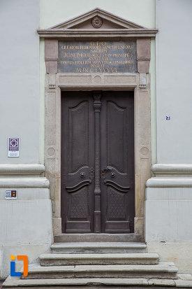 intrarea-in-biserica-reformata-din-sibiu-judetul-sibiu.jpg