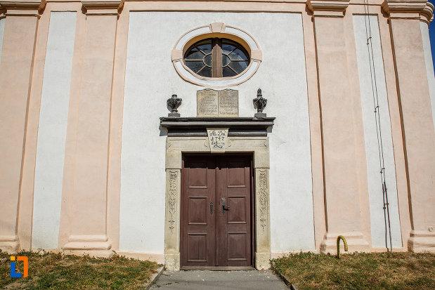 intrarea-in-biserica-romano-catolica-1800-din-ocna-sibiului-judetul-sibiu.jpg