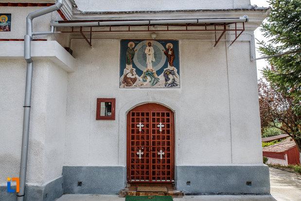 intrarea-in-biserica-schimbarea-la-fata-1805-din-ocna-sibiului-judetul-sibiu.jpg