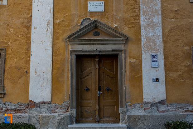 intrarea-in-biserica-sf-elisabeta-din-sibiu-judetul-sibiu.jpg