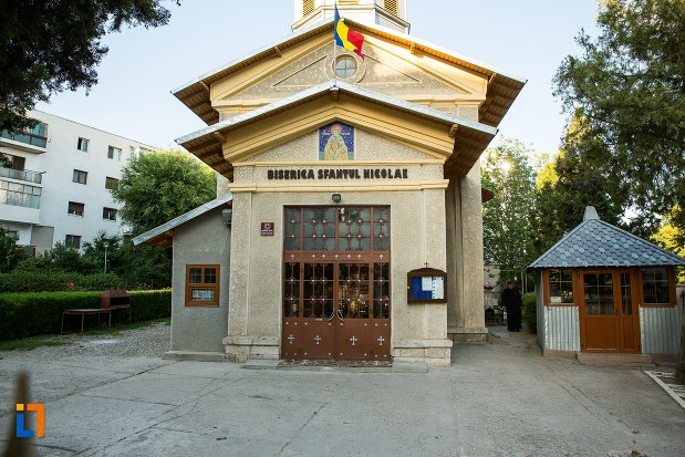 intrarea-in-biserica-sf-nicolae-din-buzau-judetul-buzau.jpg
