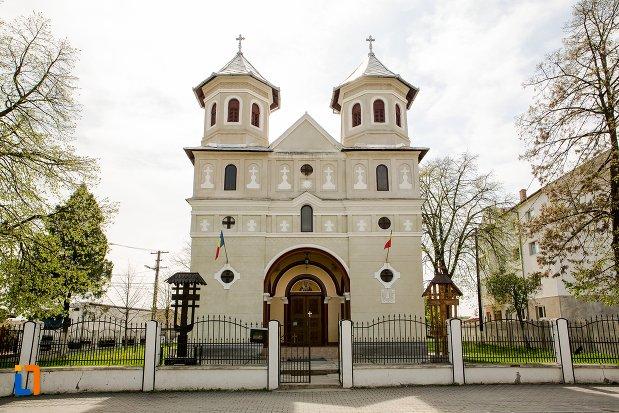 intrarea-in-biserica-sf-nicolae-din-teius-judetul-alba.jpg