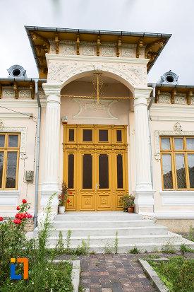 intrarea-in-casa-azi-sectie-a-muzeului-judetean-din-giurgiu-judetul-giurgiu.jpg