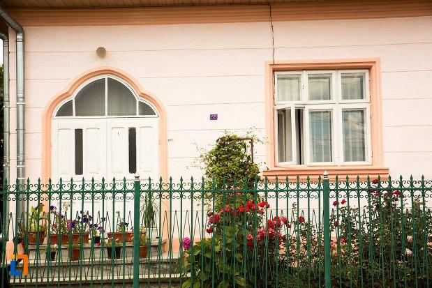 intrarea-in-casa-cneazului-moruz-din-dorohoi-judetul-botosani.jpg