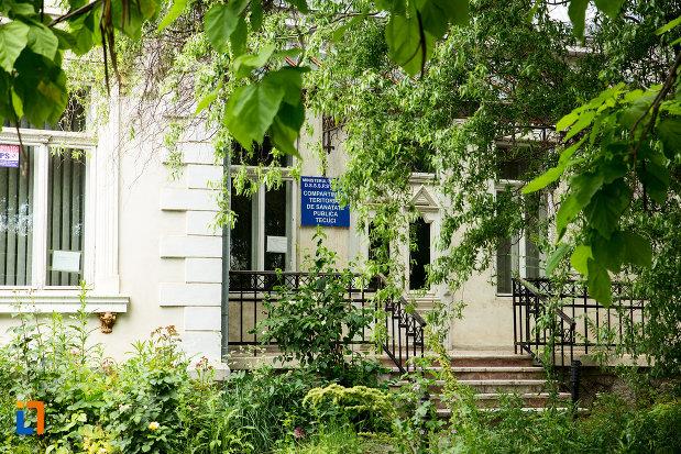 intrarea-in-casa-colonel-popescu-din-tecuci-judetul-galati.jpg
