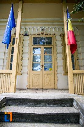 intrarea-in-casa-costache-enescu-din-dorohoi-judetul-botosani.jpg