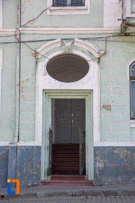 intrarea-in-casa-de-cultura-din-miercurea-sibiului-judetul-sibiu.jpg
