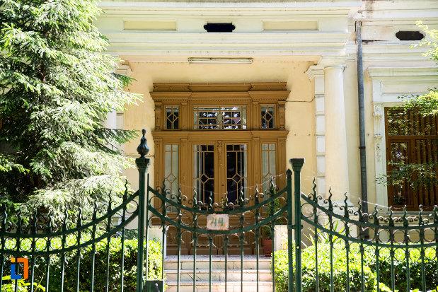 intrarea-in-casa-de-pe-str-mihai-bravu-nr-49-din-galati-judetul-galati.jpg