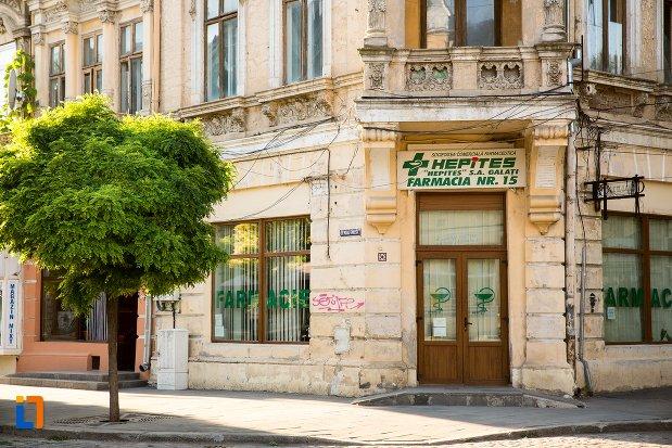 intrarea-in-casa-de-pe-strada-mihai-eminescu-din-braila-judetul-braila.jpg