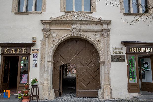 intrarea-in-casa-haller-din-sibiu-judetul-sibiu.jpg