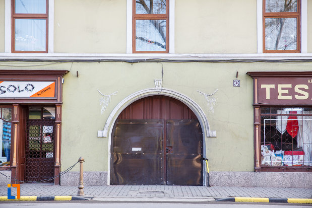 intrarea-in-casa-mauksch-din-sebes-judetul-alba.jpg