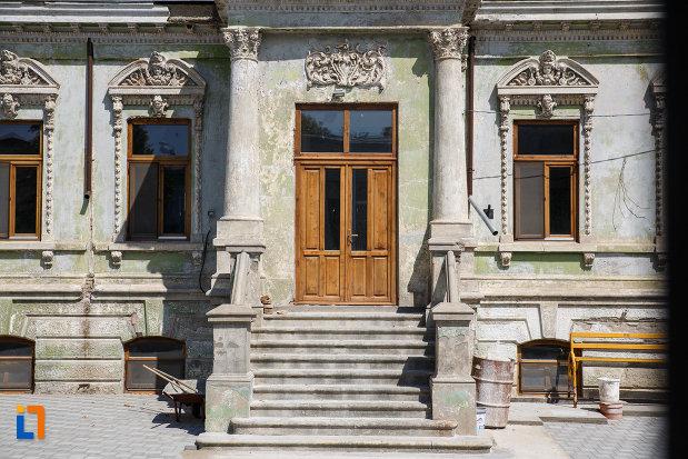 intrarea-in-casa-motomancea-1875-din-tulcea-judetul-tulcea.jpg