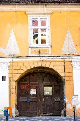 intrarea-in-casa-schobeln-din-brasov-judetul-brasov.jpg