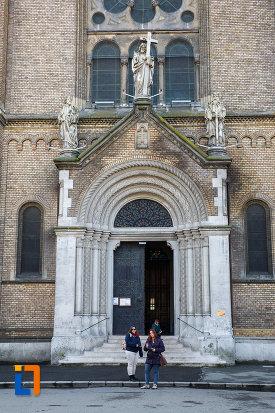 intrarea-in-catedrala-romano-catolica-millenium-din-timisoara-judetul-timis.jpg
