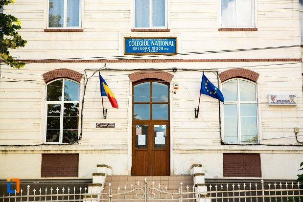 intrarea-in-colegiul-national-grigore-ghica-din-dorohoi-judetul-botosani.jpg
