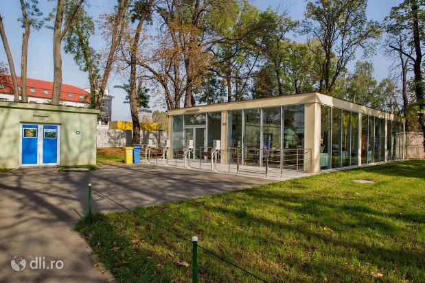 intrarea-in-gradina-zoologica-din-oradea-judetul-bihor.jpg