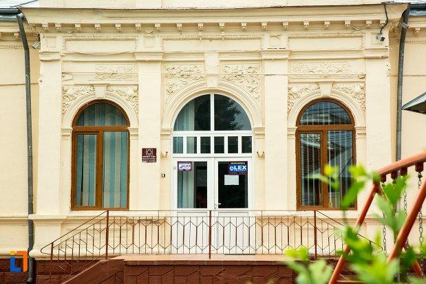 intrarea-in-gradinita-nr-6-din-buzau-judetul-buzau.jpg
