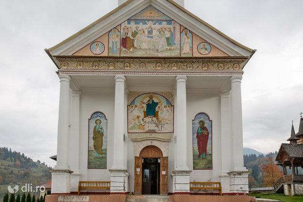 intrarea-in-manastirea-adormirea-maicii-domnului-din-moisei-judetul-maramures.jpg