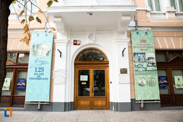 intrarea-in-muzeul-brailei-judetul-braila.jpg