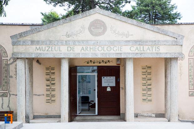intrarea-in-muzeul-de-arheologie-callatis-din-mangalia-judetul-constanta.jpg