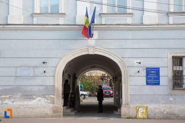 intrarea-in-muzeul-etnografic-al-transilvaniei-din-cluj-napoca-judetul-cluj.jpg
