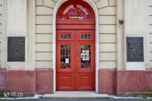 intrarea-in-muzeul-militar-din-oradea-judetul-bihor.jpg