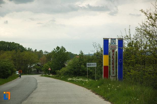 intrarea-in-orasul-balcesti-judetul-valcea.jpg