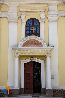 intrarea-in-palatul-dauerbach-din-timisoara-judetul-timis.jpg