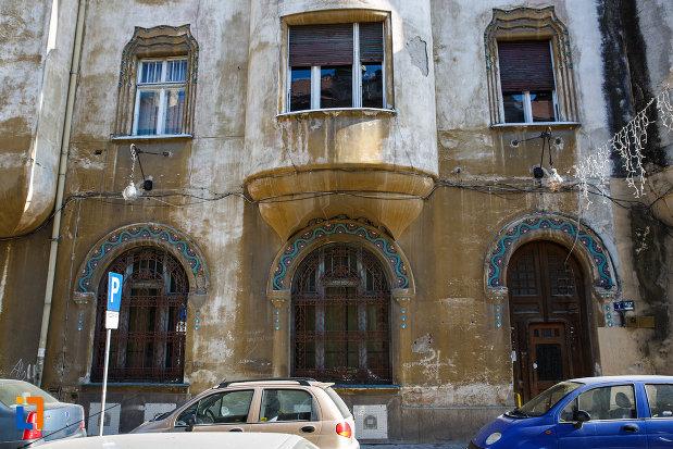 intrarea-in-palatul-miksa-steiner-din-timisoara-judetul-timis.jpg