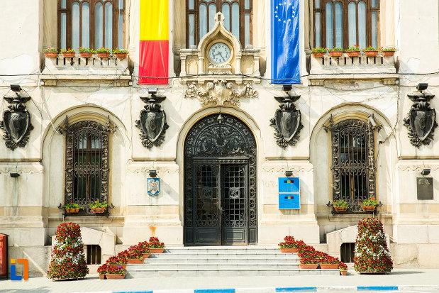 intrarea-in-primaria-din-craiova-judetul-dolj.jpg