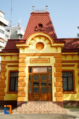 intrarea-in-protoieria-fosta-casa-municipala-de-cultura-din-rosiorii-de-vede-judetul-teleorman.jpg
