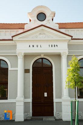 intrarea-in-scoala-generala-nr1-din-drobeta-turnu-severin-judetul-mehedinti.jpg