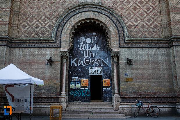 intrarea-in-sinagoga-din-cetate-din-timisoara-judetul-timis.jpg