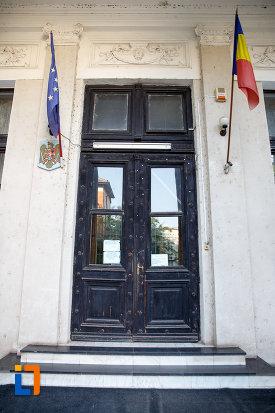 intrarea-in-tribunalul-azi-judecatoria-din-turnu-magurele-judetul-teleorman.jpg