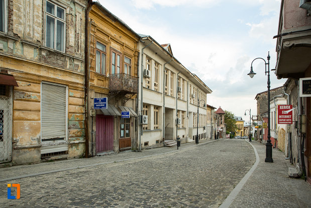 la-plimbare-prin-orasul-slatina-judetul-olt.jpg