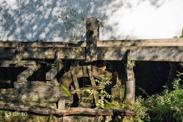 la-valtoare-muzeul-satului-osenesc-din-negresti-oas-judetul-satu-mare.jpg